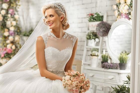 vacker bröllopsklänning